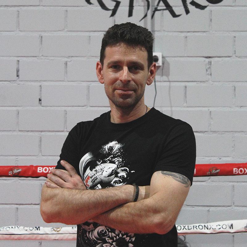 kickboxing-profesor-escuela-lucha-ragnarok