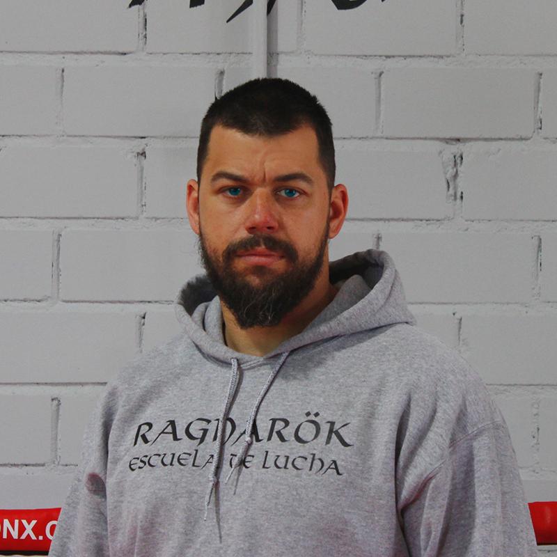 crossfighter-profesor-escuela-lucha-ragnarok